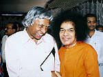 Sai Baba with former President of India, Abdul Kalam