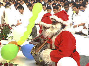 THE PATHETIC ATTEMPT OF SSSS Organisation TO BUY INTO SANTA CLAUS TO HELP SAI BABA'S LOST CAUSE