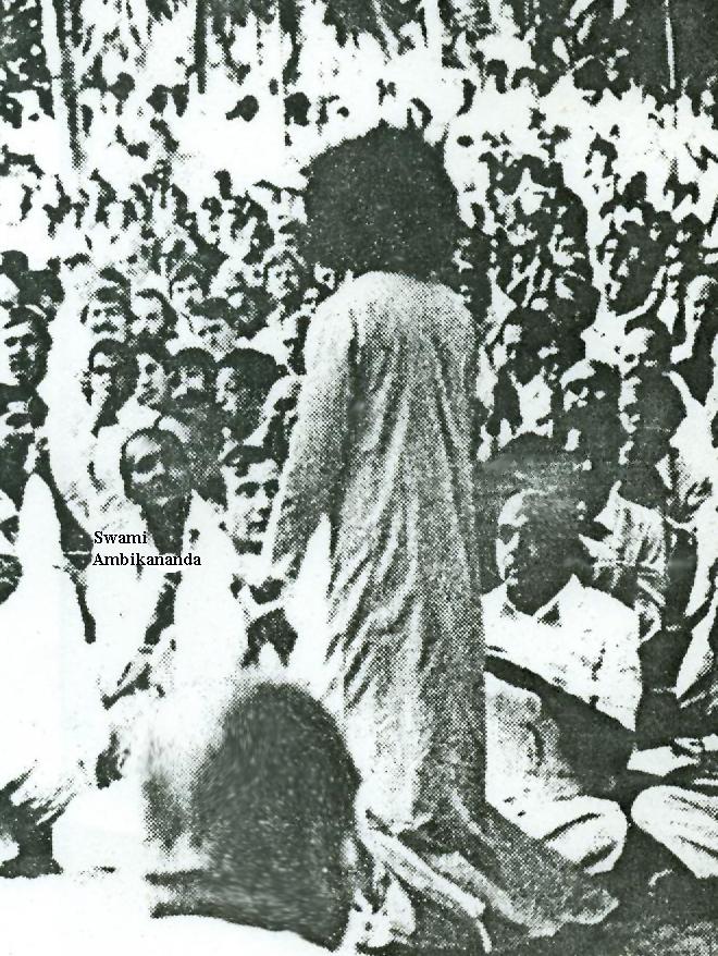 Swami Ambikananda takes darsan of Sathya Sai Baba, ca late 1960s
